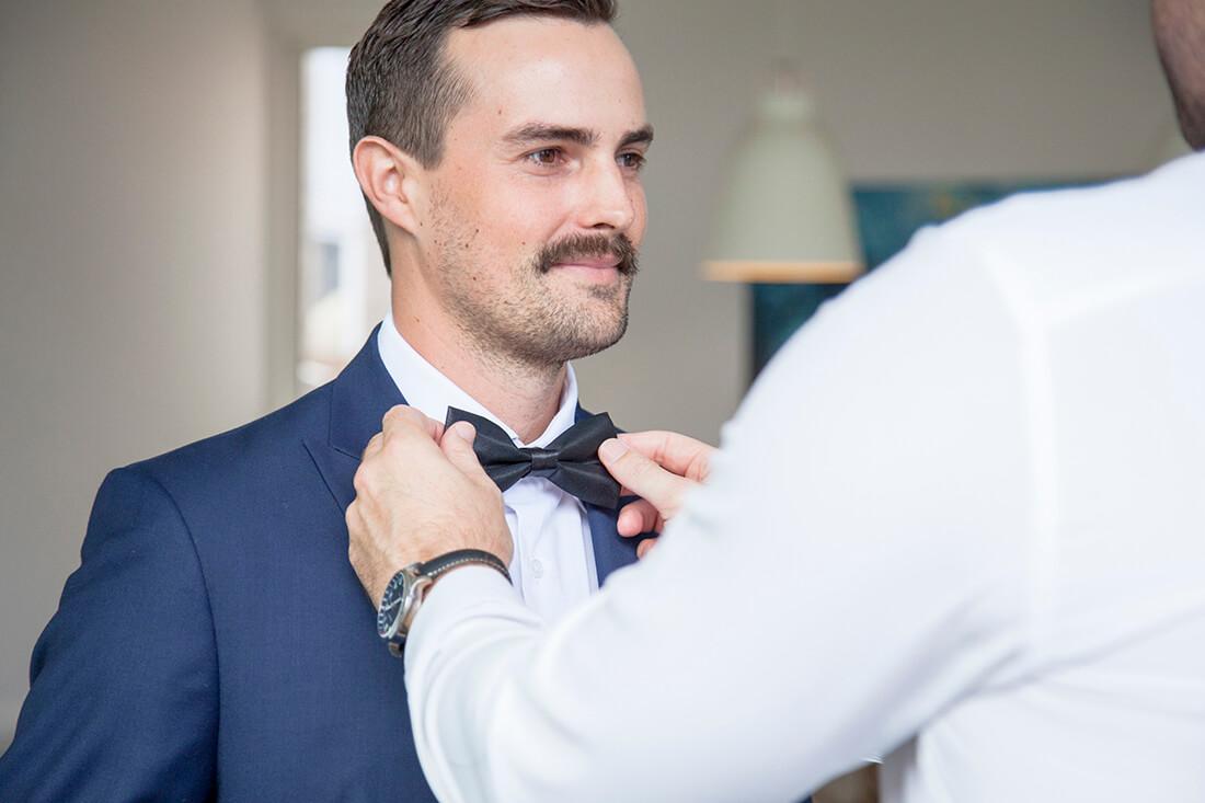 adjusting tie